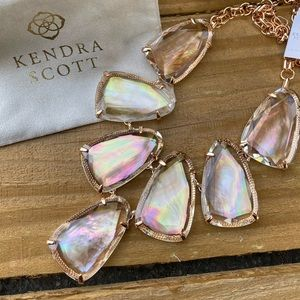 NWT Kendra Scott Harlow Pearl Rose Gold Necklace